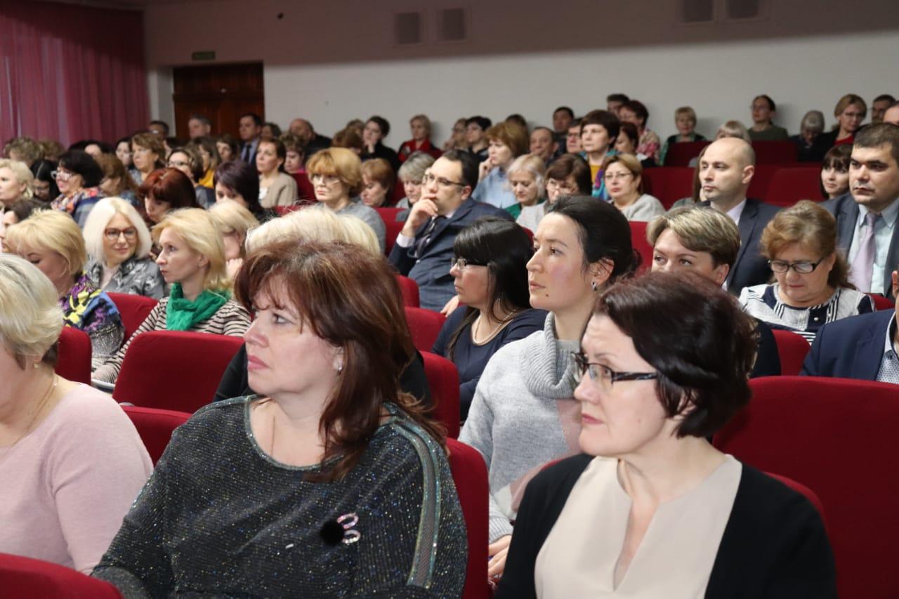 В НГПУ обсудили вопрос повышения эффективности организации и проведения педагогических практик